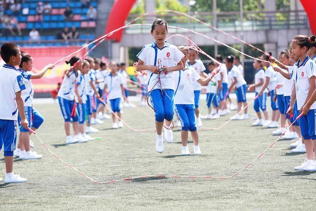 《中国教育报》:体育作业唤醒全家运动意识