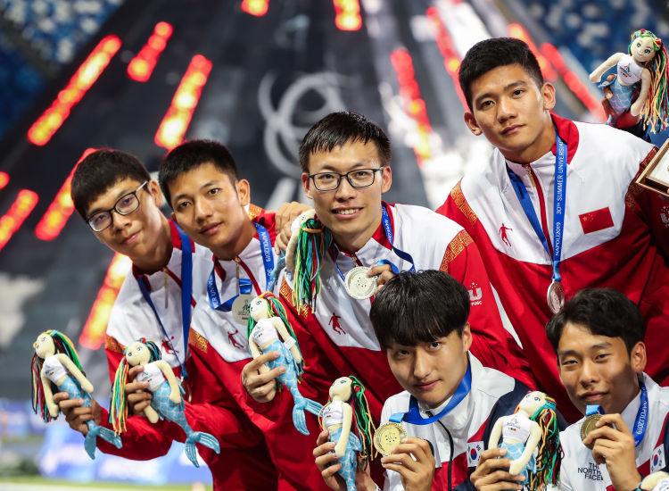 世界大运会:中国男子4X100米接力、女子半马团体摘银