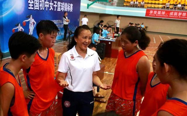 新华社:体育即人生——一位从教37年体育老师的心声